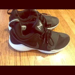 Men's Nike PG basketball shoes